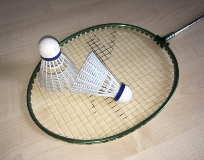 Come and play badminton